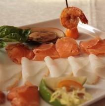 Тарелка рыбных деликатесов / Mixed assorted fish delicacies